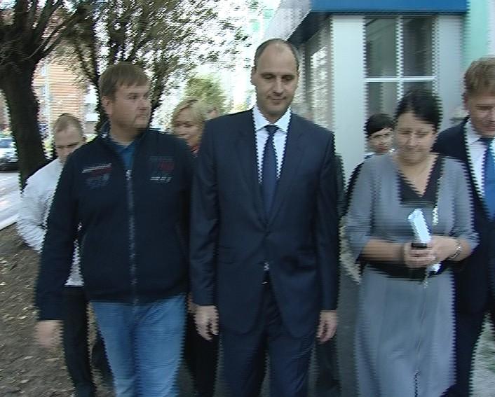 Сегодня в Серове в рамках рабочего визита побывал Председатель Правительства области Денис Паслер